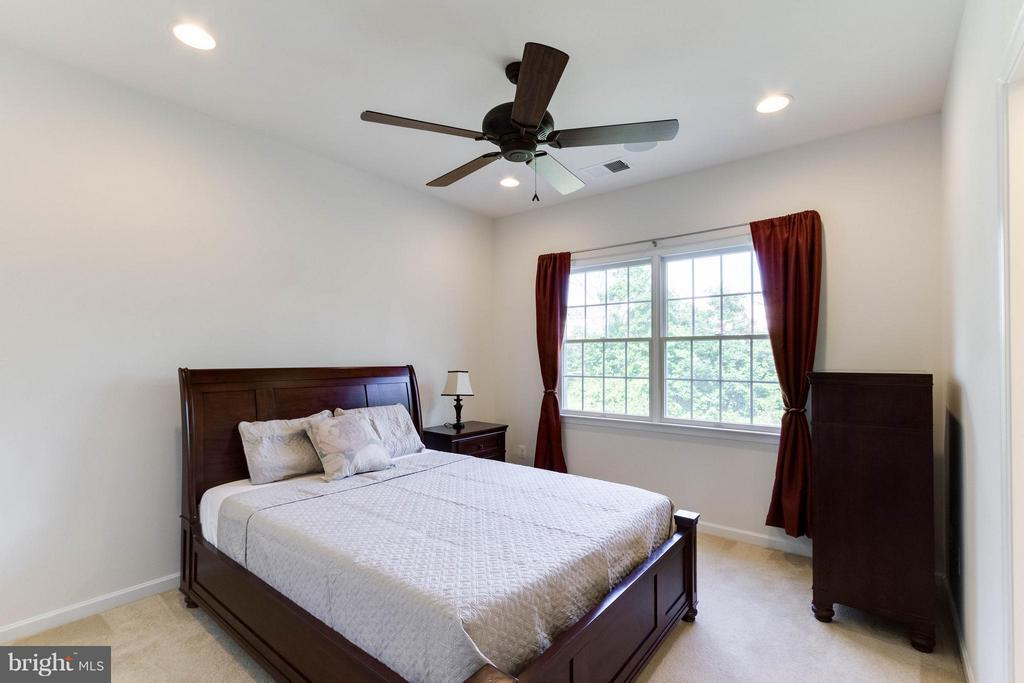 Third Bedroom - 25287 JUSTICE DR, CHANTILLY