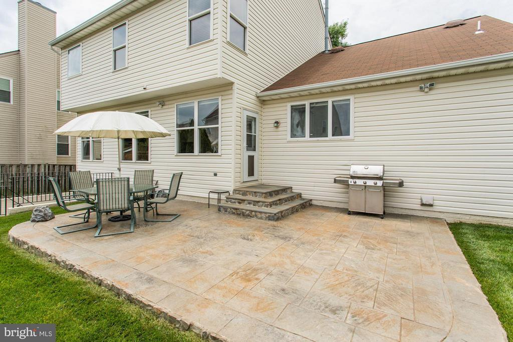 Exterior Backyard Patio - 5109 WHISPER WILLOW DR, FAIRFAX
