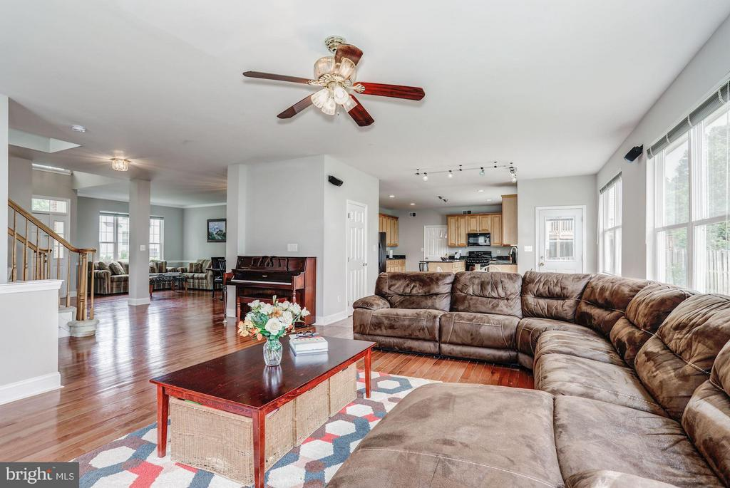 Family Room with plenty of Natural Light - 5109 WHISPER WILLOW DR, FAIRFAX