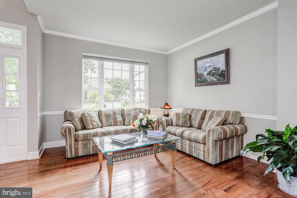 Living Room - 5109 WHISPER WILLOW DR, FAIRFAX