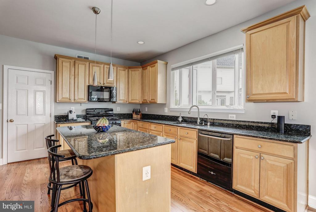 Kitchen with Granite Countertops - 5109 WHISPER WILLOW DR, FAIRFAX