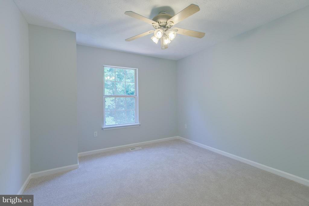 Large 2nd bedroom - 508 WATERS COVE CT, STAFFORD