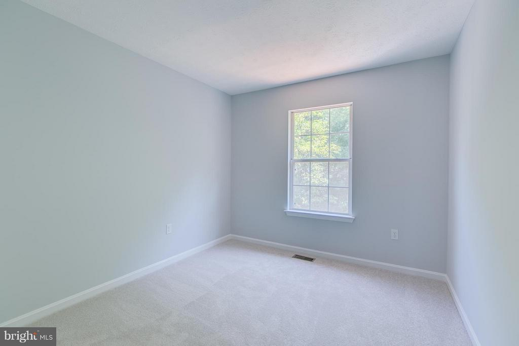 large 3rd bedroom - 508 WATERS COVE CT, STAFFORD