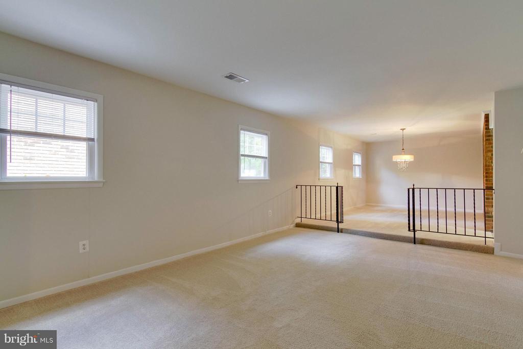 Living Room - 1035 AQUIA DR, STAFFORD