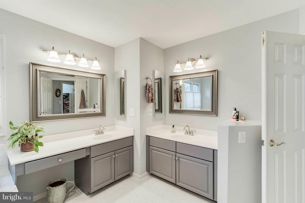 Bath (Master) - 43900 LOGANWOOD CT, ASHBURN