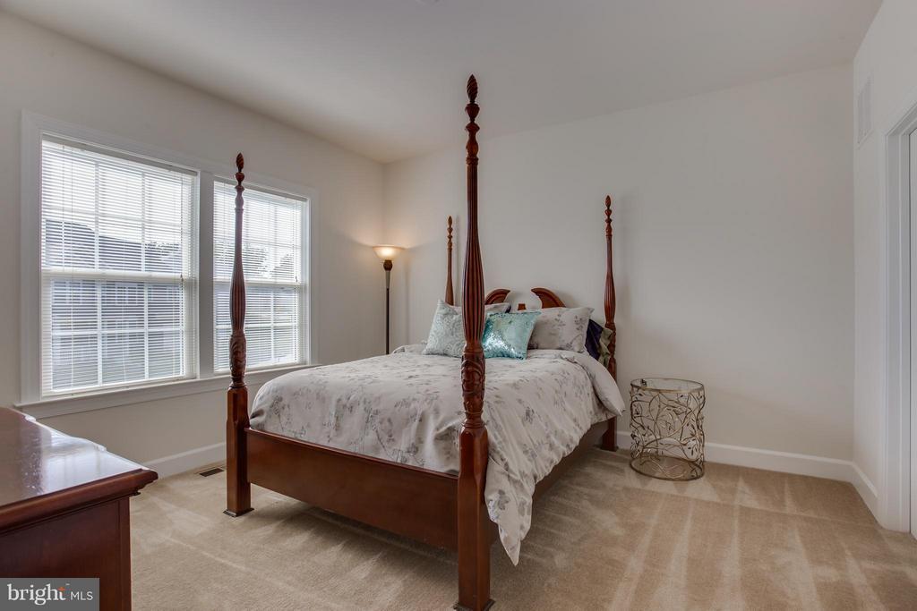 Bedroom 3 - 9 ECHOLS LN, STAFFORD