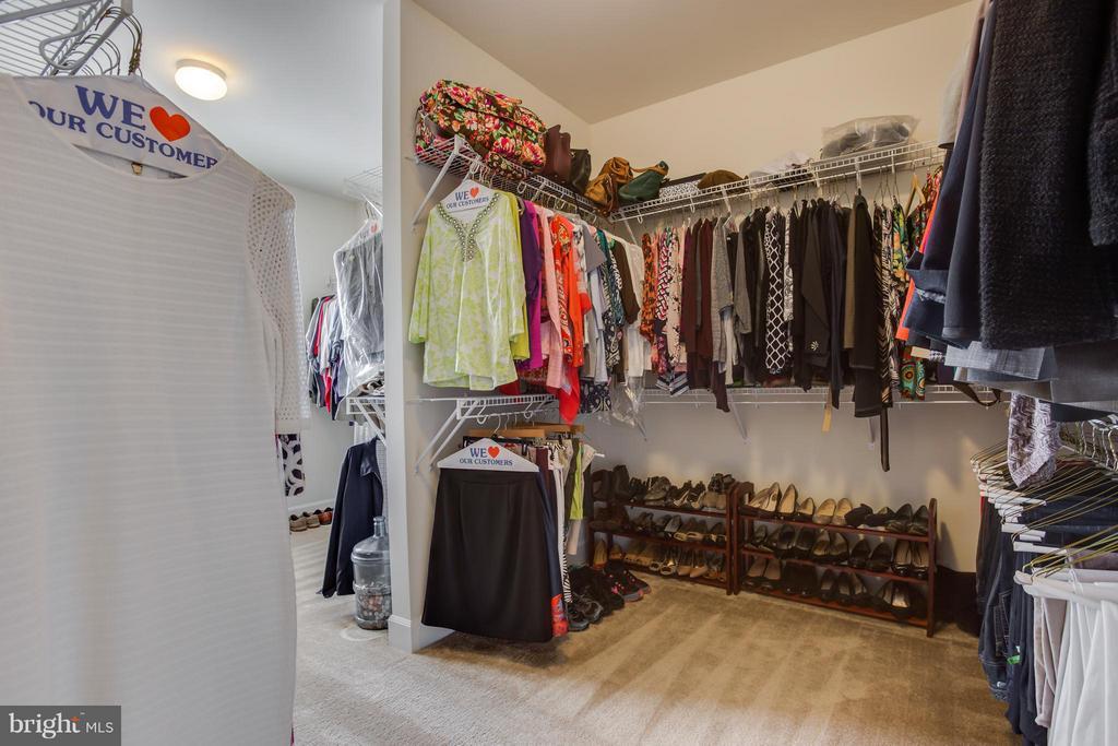 Walk In Closet - 9 ECHOLS LN, STAFFORD