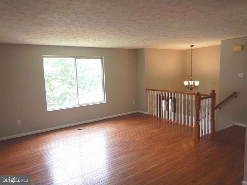 With Hardwood Floors - 5700 TENDER CT, SPRINGFIELD