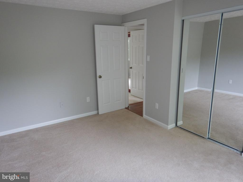 3rd BR with new W/WCarpeting - 5700 TENDER CT, SPRINGFIELD
