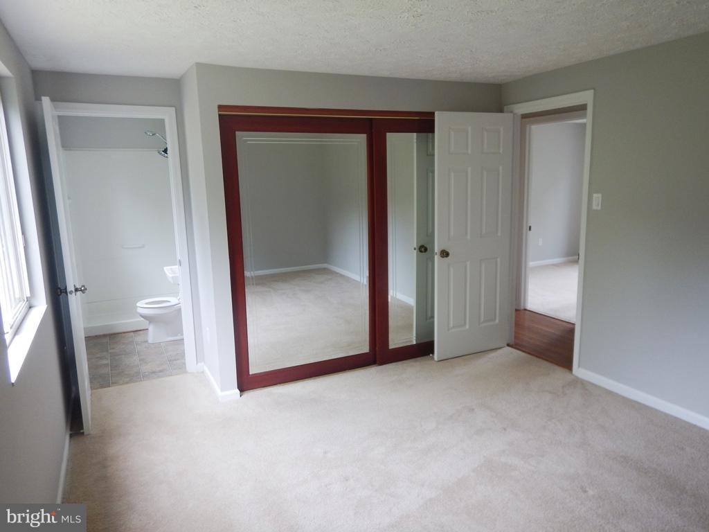 MB with BA and New W/WCarpeting - 5700 TENDER CT, SPRINGFIELD
