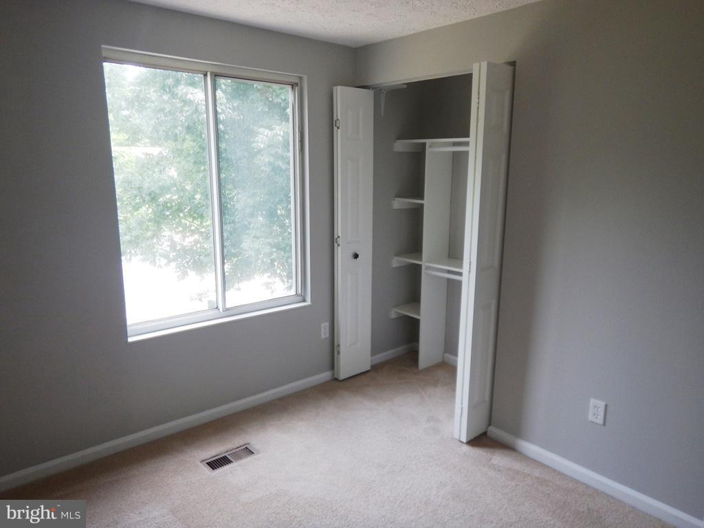 B2nd. Bedroom with W/W Carpeting - 5700 TENDER CT, SPRINGFIELD