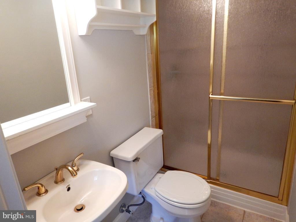 Lower Level Bath with Shower - 5700 TENDER CT, SPRINGFIELD