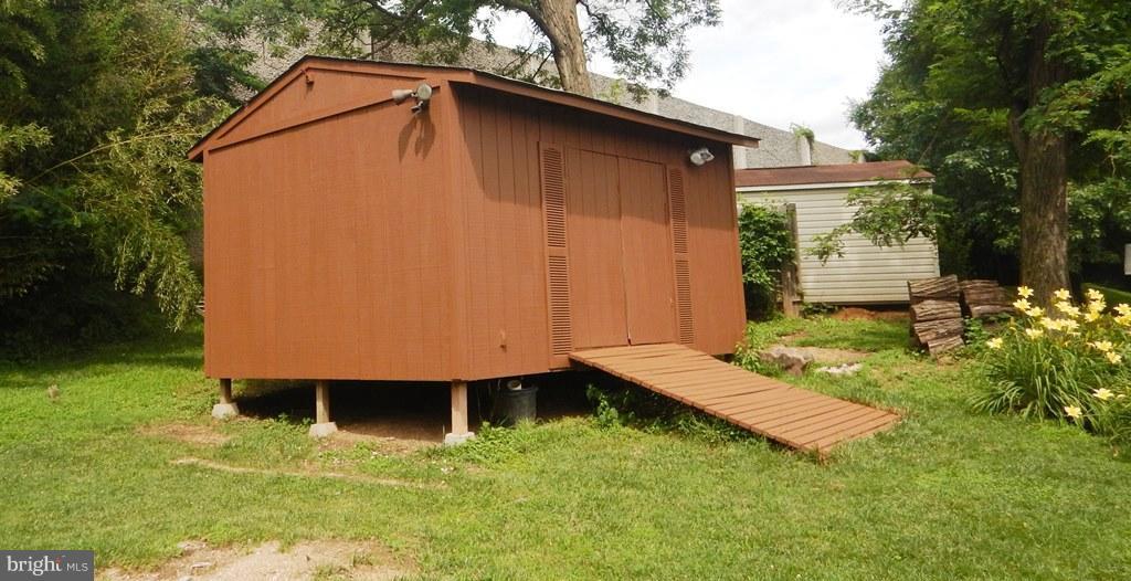 Wood Deck in Rear Yard - 5700 TENDER CT, SPRINGFIELD