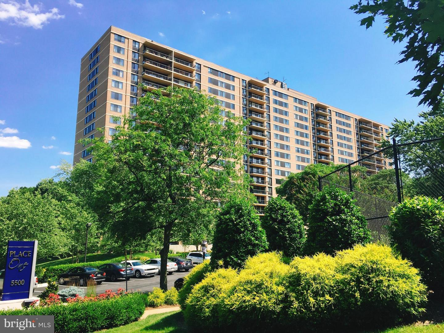 other residential homes for Rent at 5500 Holmes Run Pkwy #1201 5500 Holmes Run Pkwy #1201 Alexandria, Virginia 22304 United States
