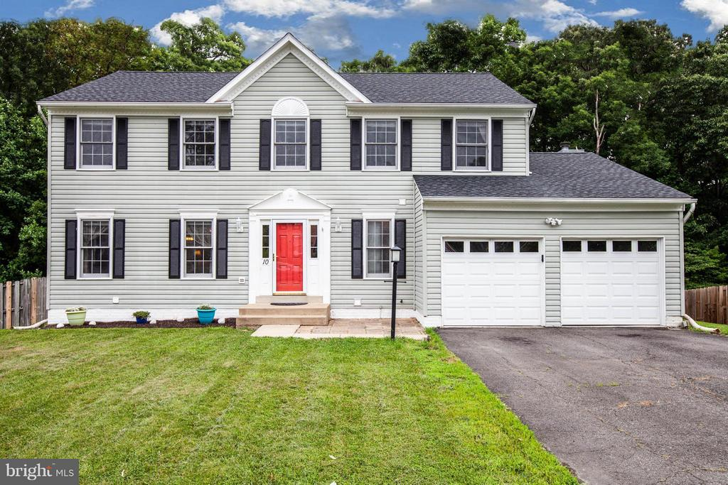 Beautiful Curb Appeal! - 10 WILLOW GLEN CT, STAFFORD