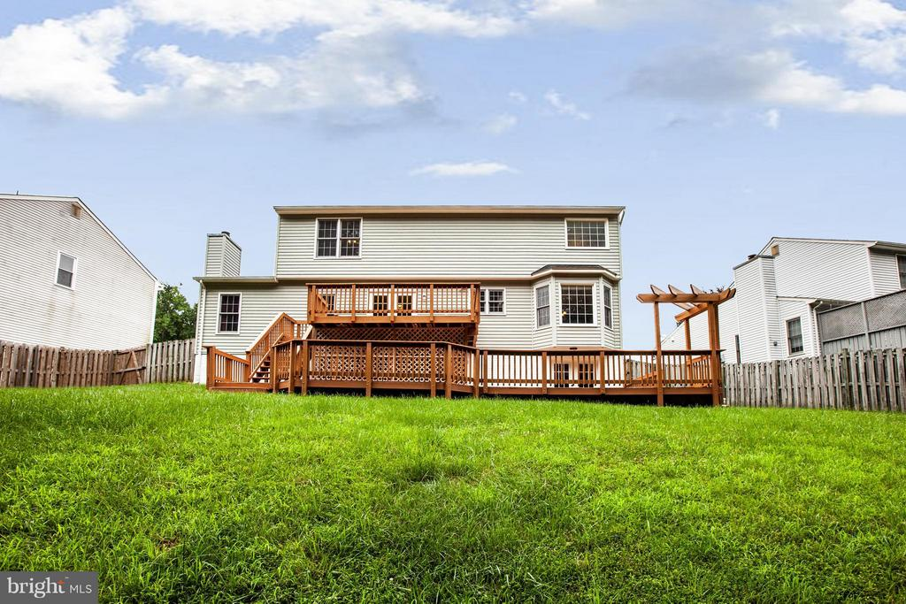 Fully fenced back yard - 10 WILLOW GLEN CT, STAFFORD