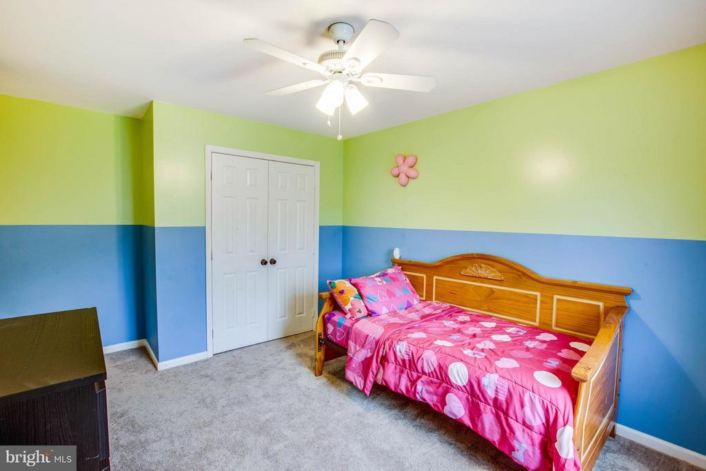 Front corner bedroom - 10 WILLOW GLEN CT, STAFFORD