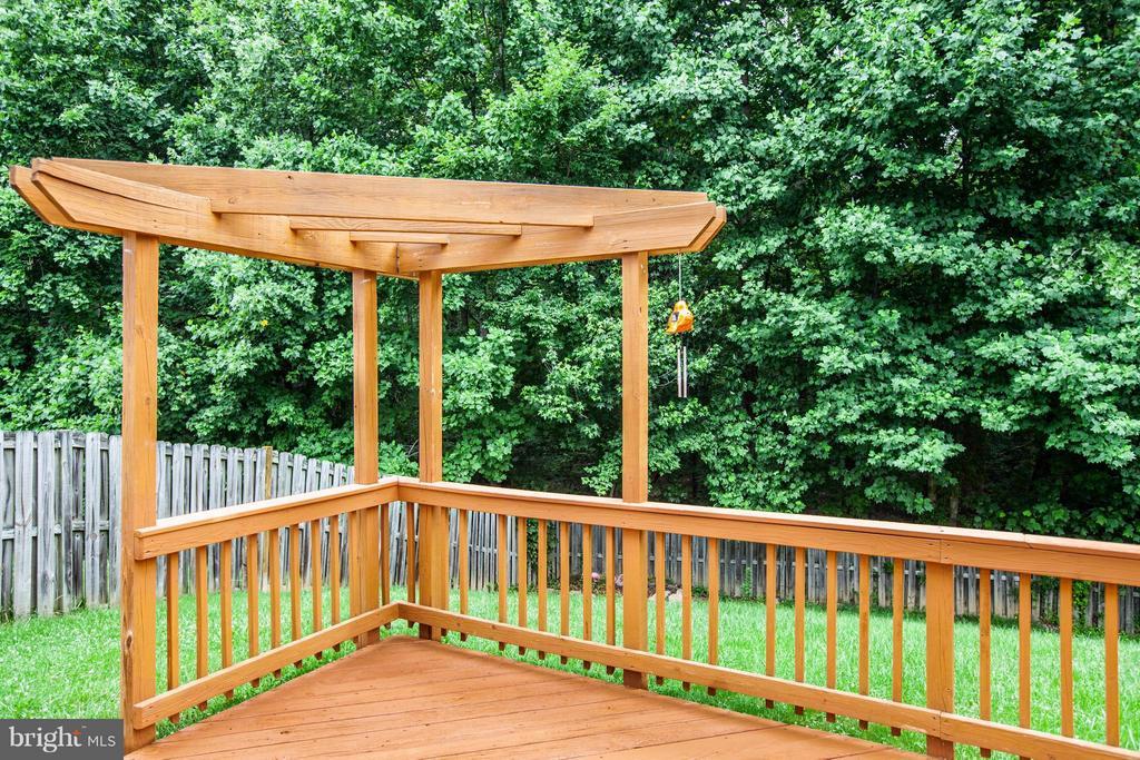 Backyard view - 10 WILLOW GLEN CT, STAFFORD