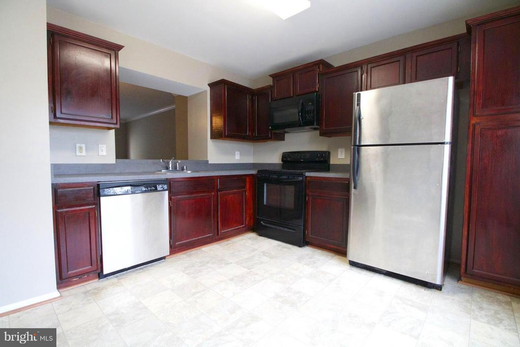 Kitchen - 7427 COURTLAND CIR, MANASSAS