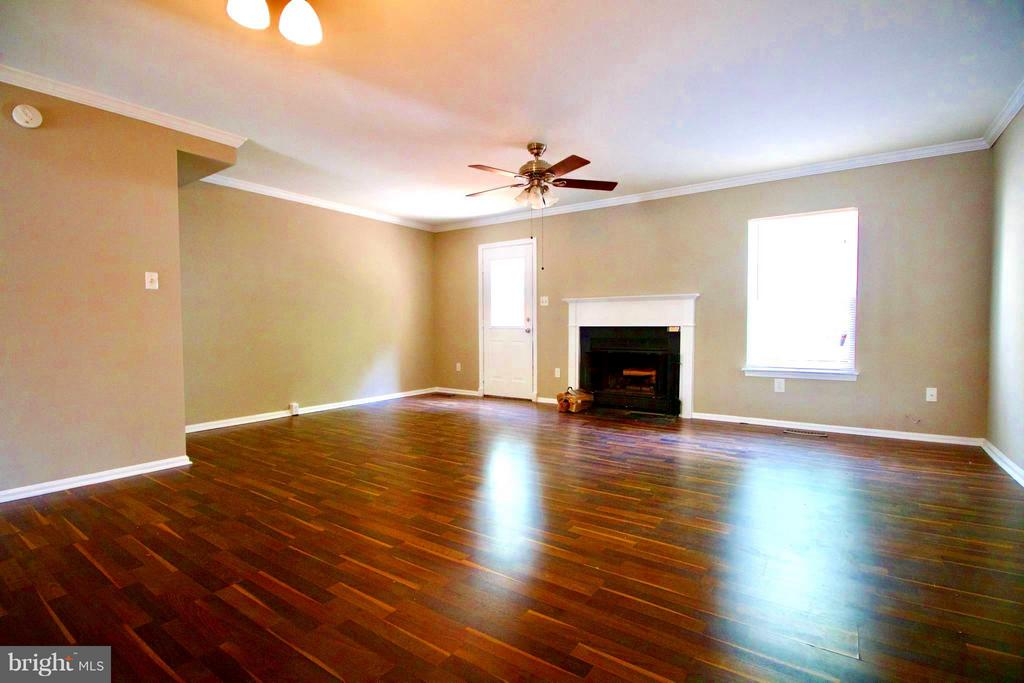 Living Room - 7427 COURTLAND CIR, MANASSAS