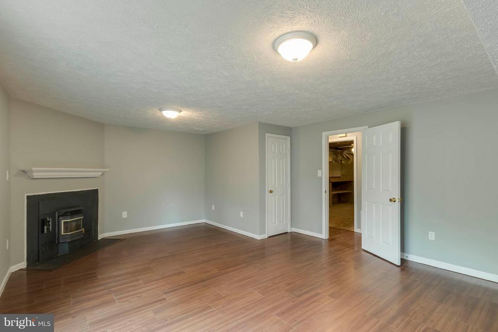 Rec Room with Fireplace - 14449 WHISPERWOOD CT, DUMFRIES