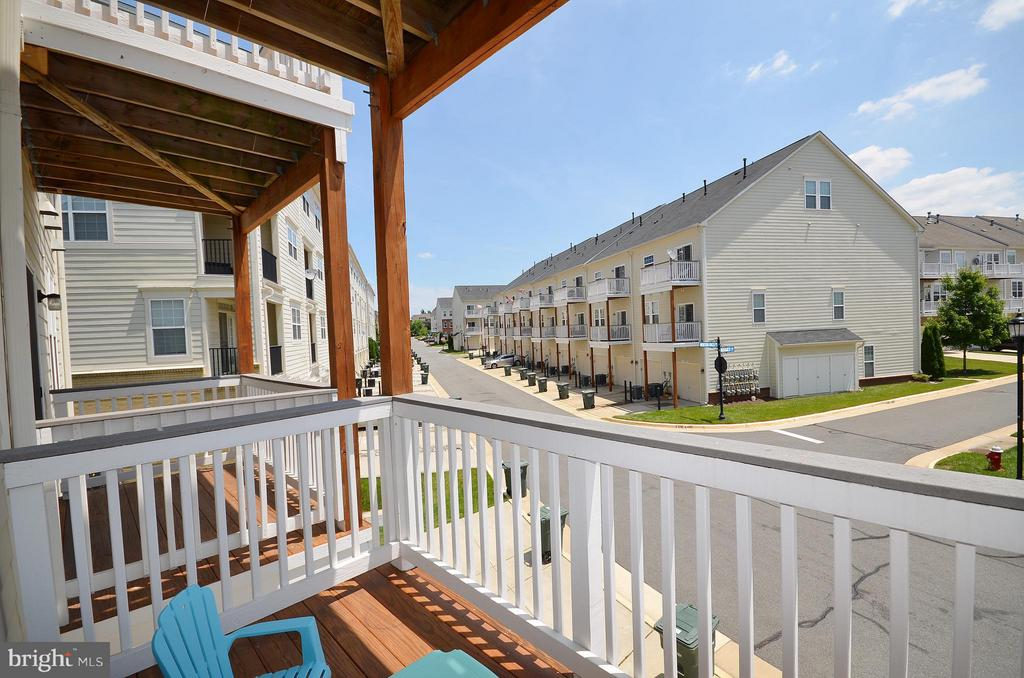 Balcony Off Family Room - 19442 DIAMOND LAKE DR #19442, LEESBURG