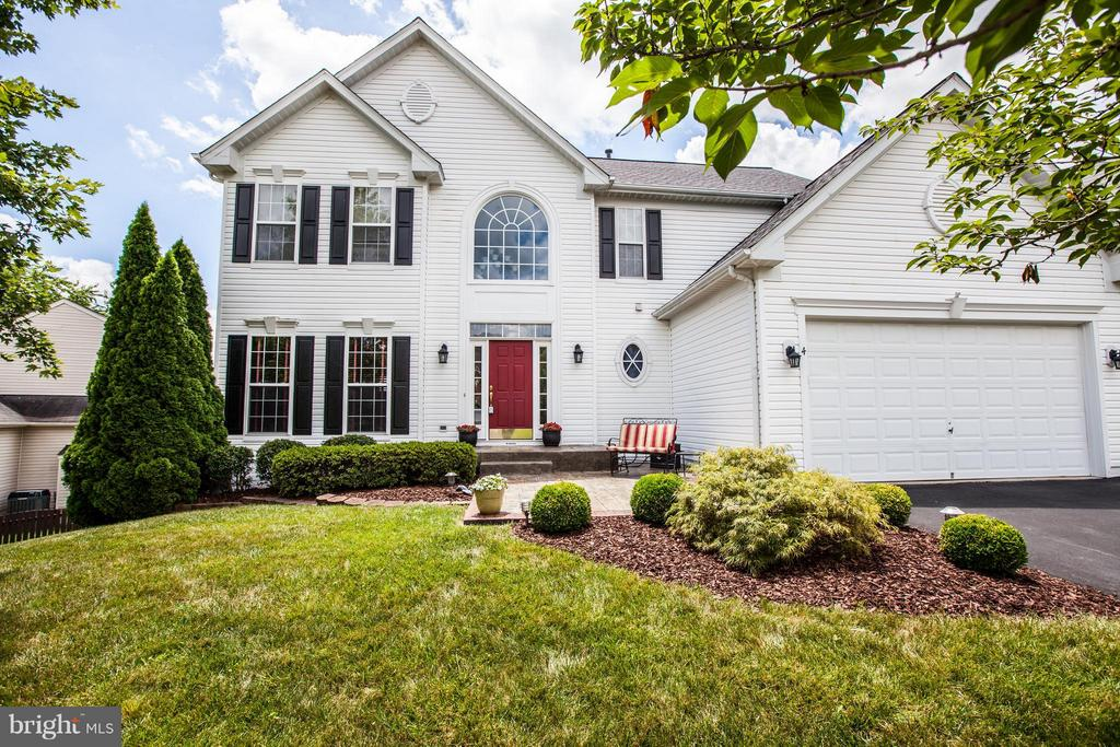 Beautiful 4-bedroom Colonial with over 3200 SF - 4 KLINE CT, STAFFORD