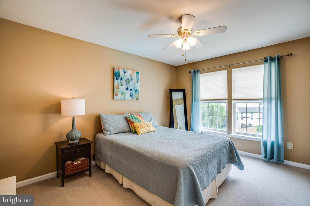 Natural light is abundant in the bedrooms - 4 KLINE CT, STAFFORD