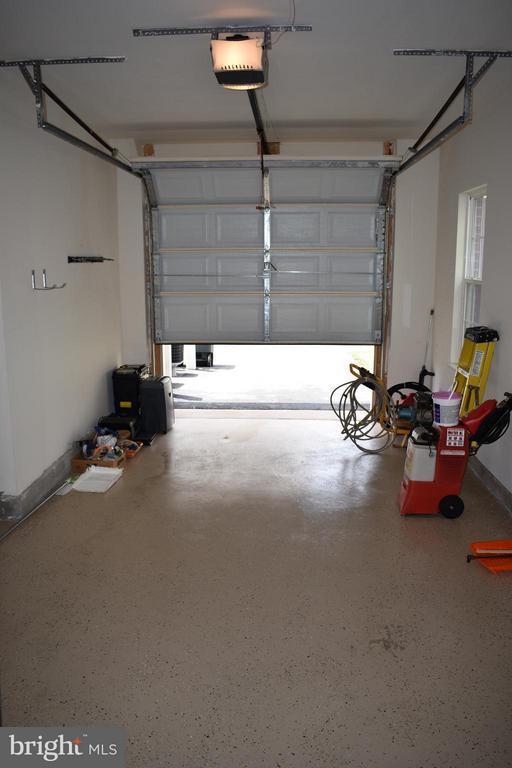 Fully Finished Garage w/ Speckled Epoxy Flooring - 21641 ROMANS DR, ASHBURN