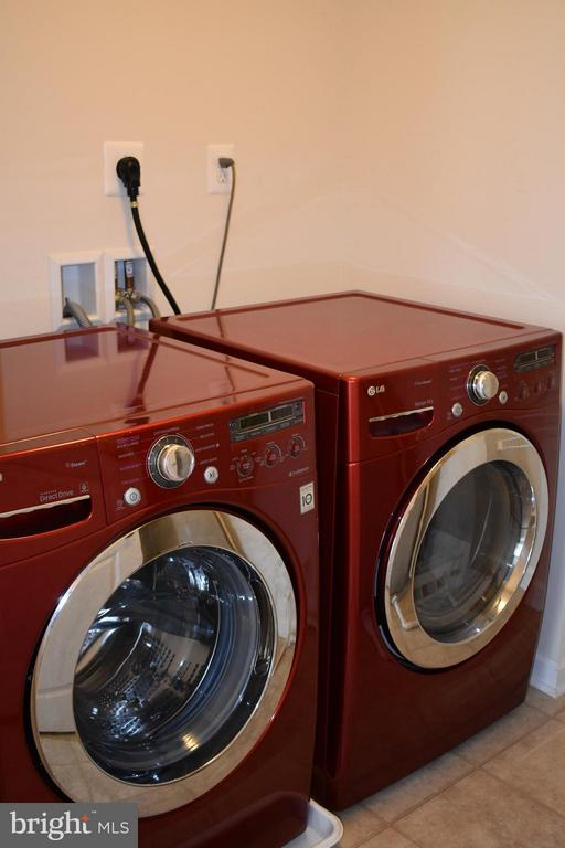2nd Floor Laundry Includes Brand New Washer/Dryer - 21641 ROMANS DR, ASHBURN