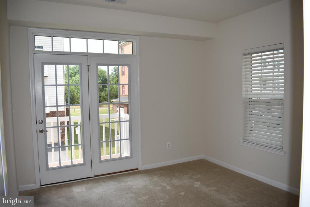 3rd Large Bedroom w/ Private Balcony - 21641 ROMANS DR, ASHBURN