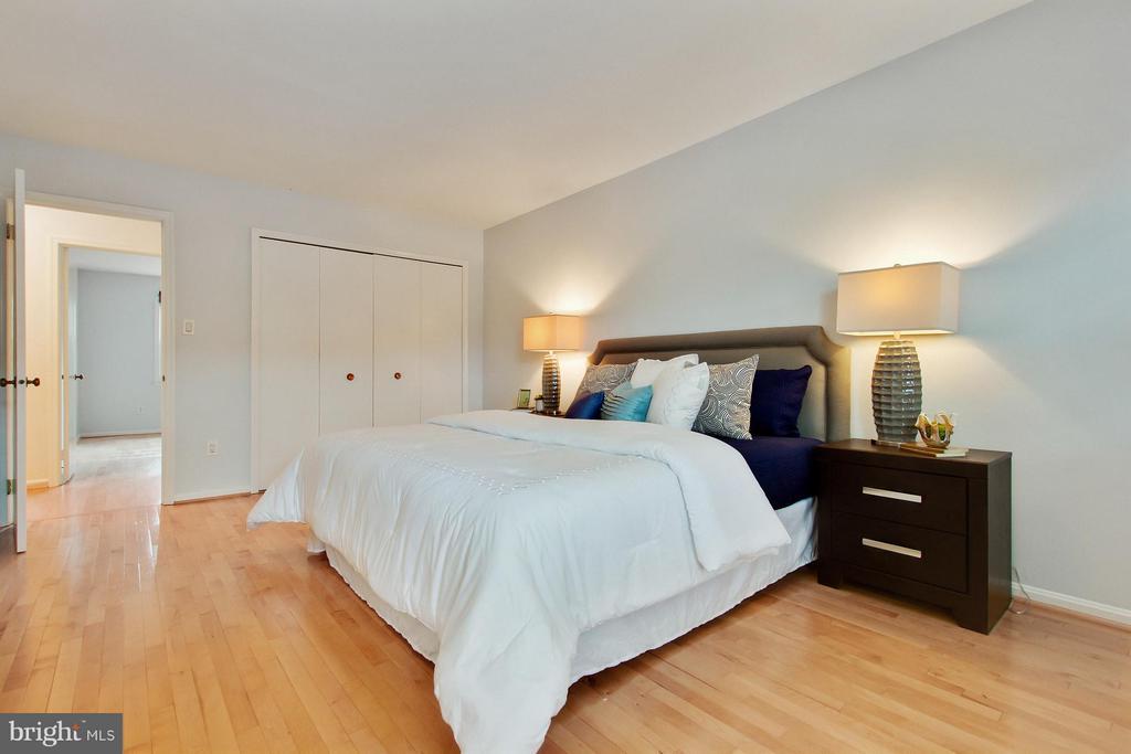 Bedroom (Master) - 2220 SOMERSET ST, ARLINGTON