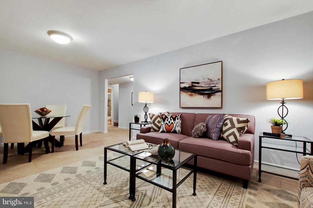 Family Room - 2220 SOMERSET ST, ARLINGTON