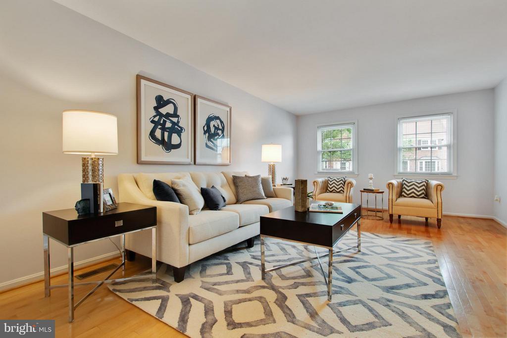 Living Room - 2220 SOMERSET ST, ARLINGTON