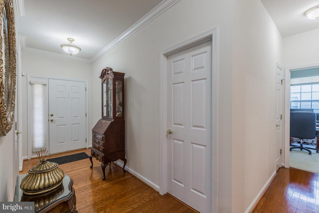 IFoyer and Hallway - 3700 GREY GHOST CT, DUMFRIES