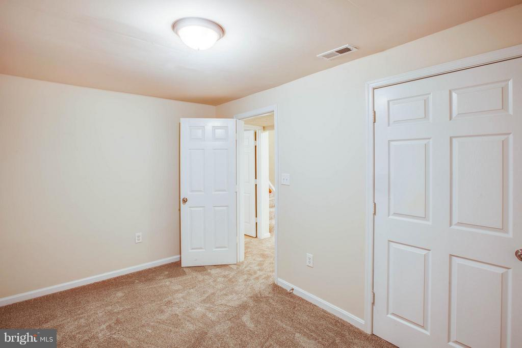 Ground level! Den with closet or additional bed - 1204 KINGS CREST DR, STAFFORD