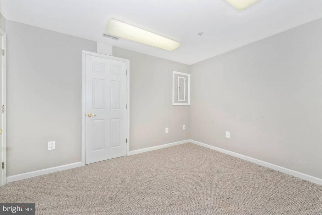 LOWER LEVEL OFFICE/DEN - 6104 PINE CREST LN, FREDERICK
