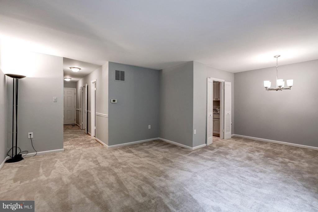 Living Room - 5837 BANNING PL, BURKE