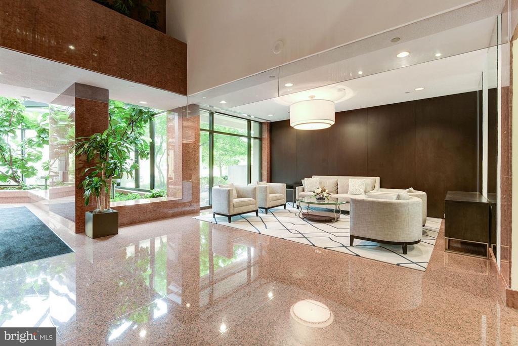 Elegant lobby - 1530 KEY BLVD #410, ARLINGTON