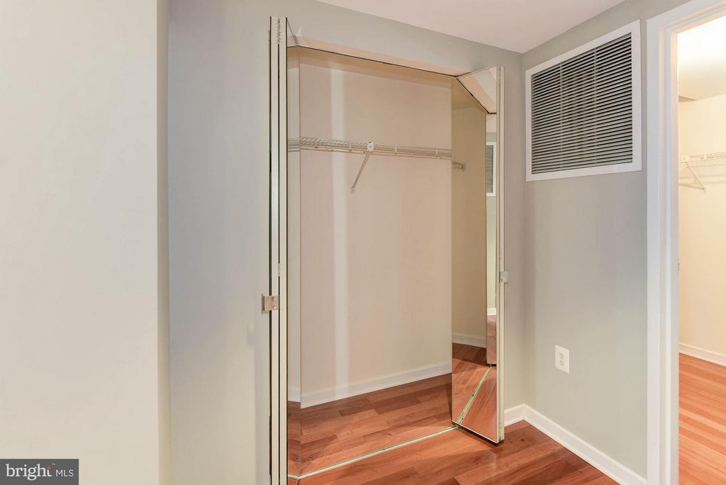 Excellent closet space - 1530 KEY BLVD #410, ARLINGTON