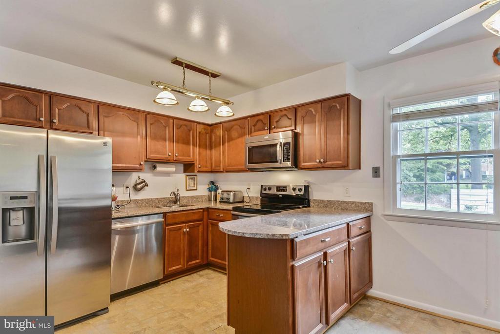 11728 Kemp Mill Rd, Silver Spring, MD 20902