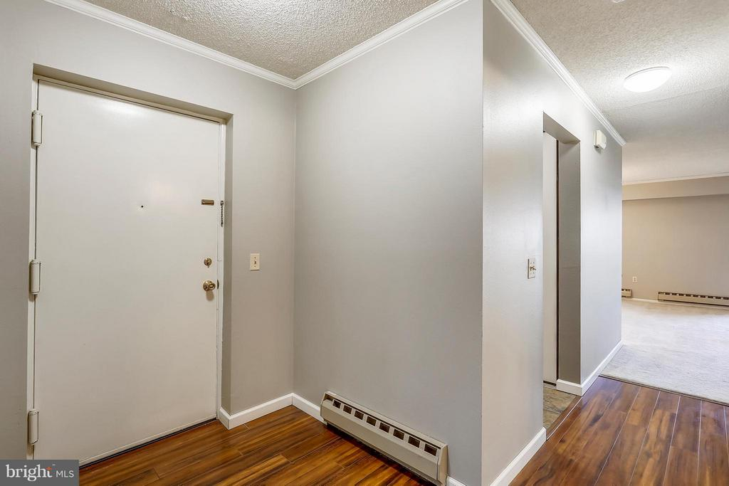 Foyer with several closets - 15100 GLADE DR #11-3E, SILVER SPRING
