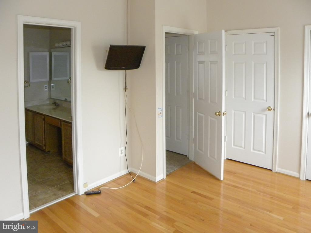Second Master Bedroom - 8077 TOPPER CT, ALEXANDRIA