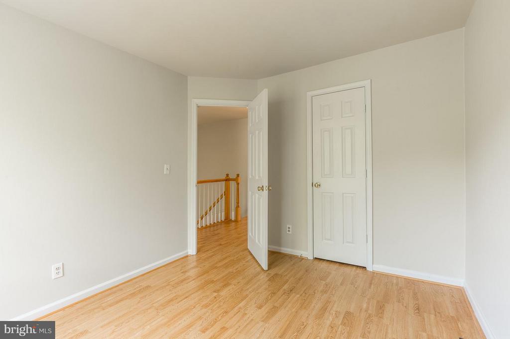 Second Bedroom - 15437 BEACHLAND WAY, DUMFRIES