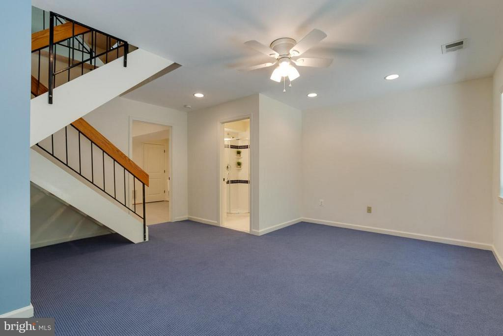 Fully finished recreation room - 2104 CARTWRIGHT PL, RESTON