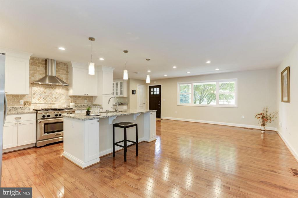 Interior (General) - 4812 VILLAGE DR, FAIRFAX