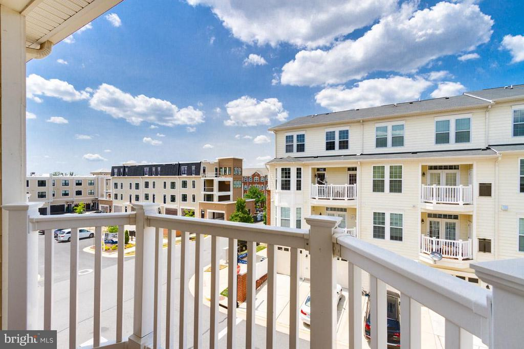 Balcony off Kitchen - 19323 DIAMOND LAKE DR, LEESBURG