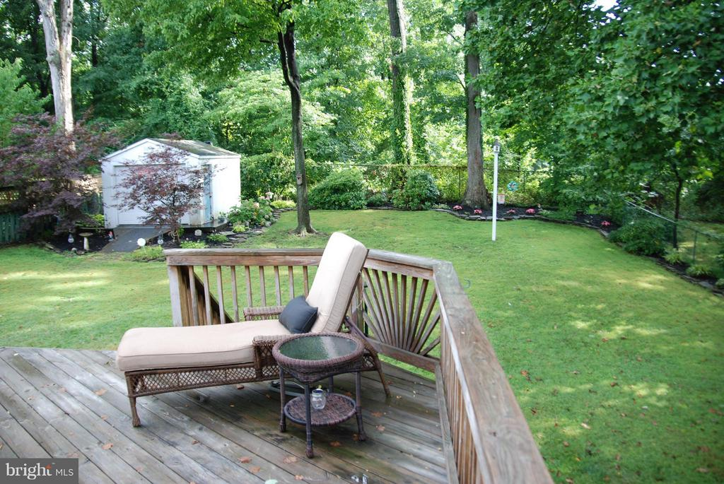 Relax & Listen to the Birds!!! - 1416 ROSS DR SW, VIENNA