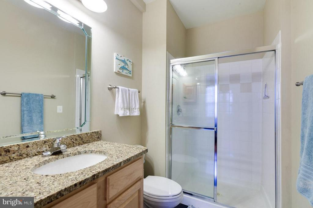 Master bath with oversized vanity w/ granite - 12000 MARKET ST #151, RESTON
