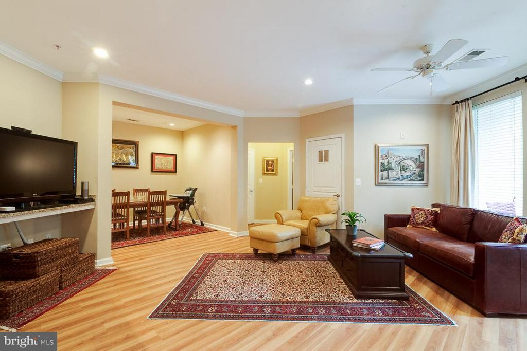Living Room w/ hardwood floors - 12000 MARKET ST #151, RESTON